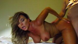 Aubrey Black ci fa vedere il suo super Orgasmo
